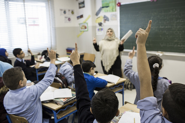 Who teaches refugees?